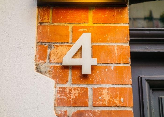 numerologi og husnummer 4